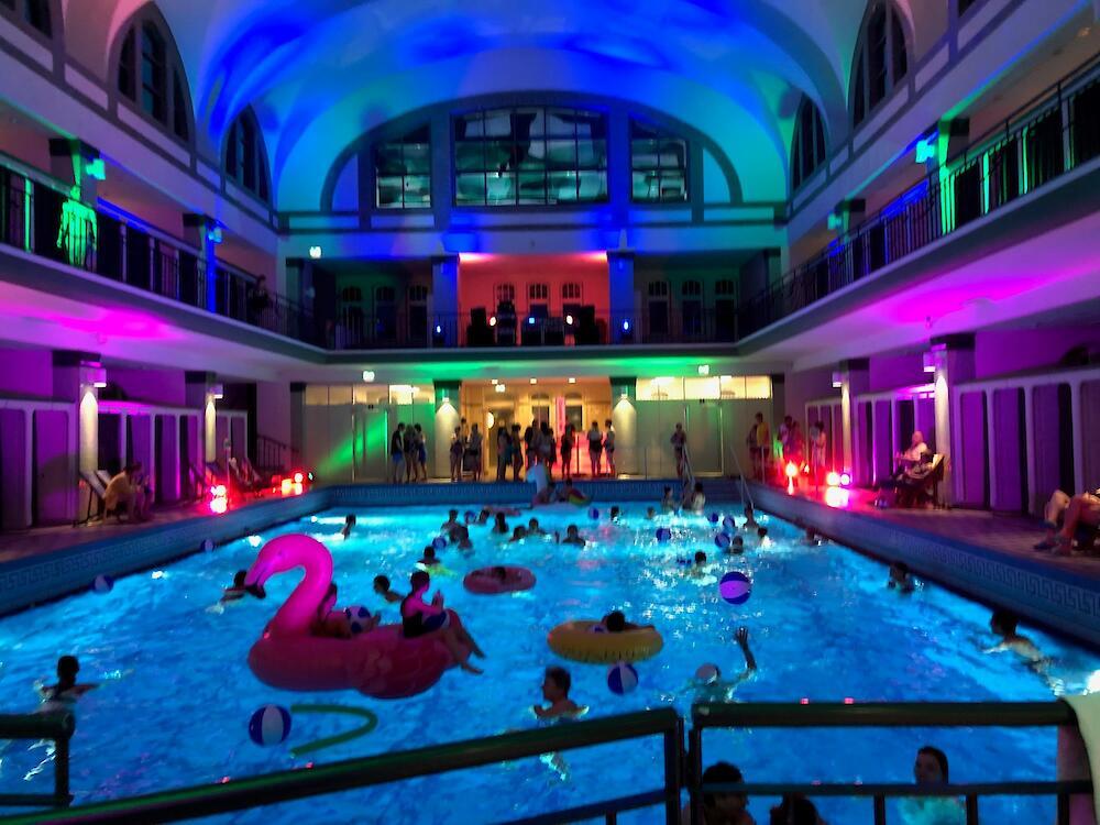 Night Swim Bäder Für Düsseldorf